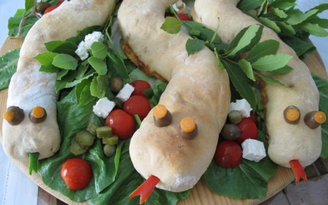 Pizza calzone φιδάκι - Σνακ πάρτυ γενεθλίων - Μπουφές - Catering - Κέτερινγκ